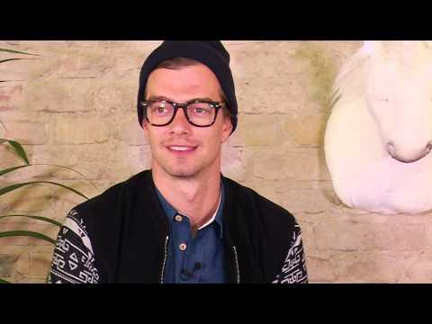 Heb ik jou op Tinder gezien? (Officiële videoclip) – Duo Toe Maar – Carnaval von YouTube · Dauer:  3 Minuten 10 Sekunden