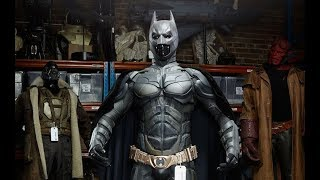 Creating New Batsuit 'The Dark Knight' Behind The Scenes [+Subtitles]