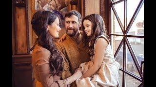 Смотреть видео Новогодняя семейная фотосессия. Санкт-Петербург... онлайн