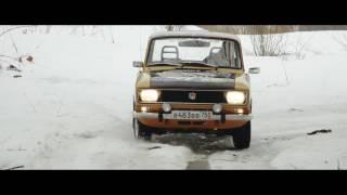 Москвич 2140 спешит на помощь или как не остаться на трассе с пустым баком