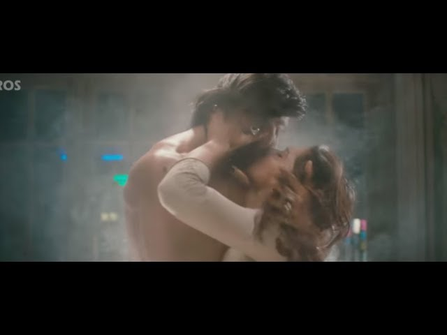 Best Hot Couple Scenes of Bollywood