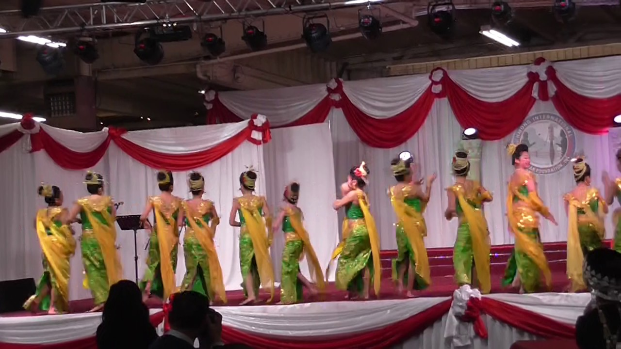 Hmong International New Year Welcome you to 2011-12 Hmong ... |Fresno International Hmong New Year