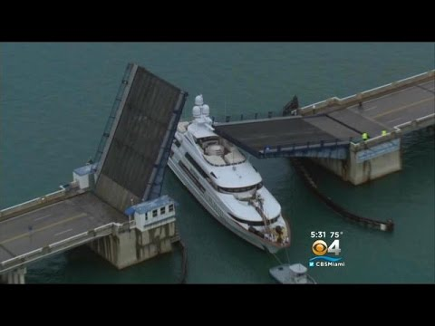Cameras Capture Drawbridge Crashing Down On Yacht