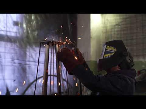 Процесс создания подставки для цветов из металла