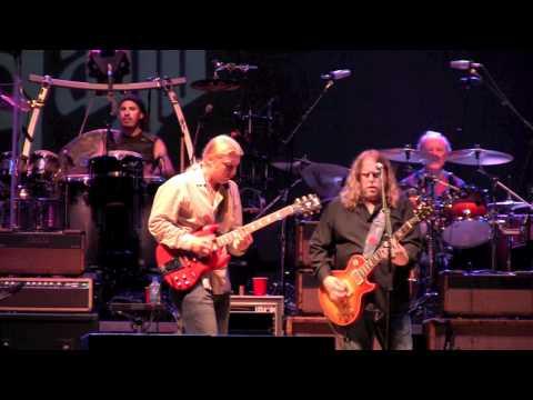 The Allman Brothers with Taj Mahal - Statesboro Blues (Wanee 2011)
