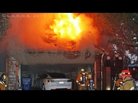 LAFD / Pacific Palisades Hillside House Fire
