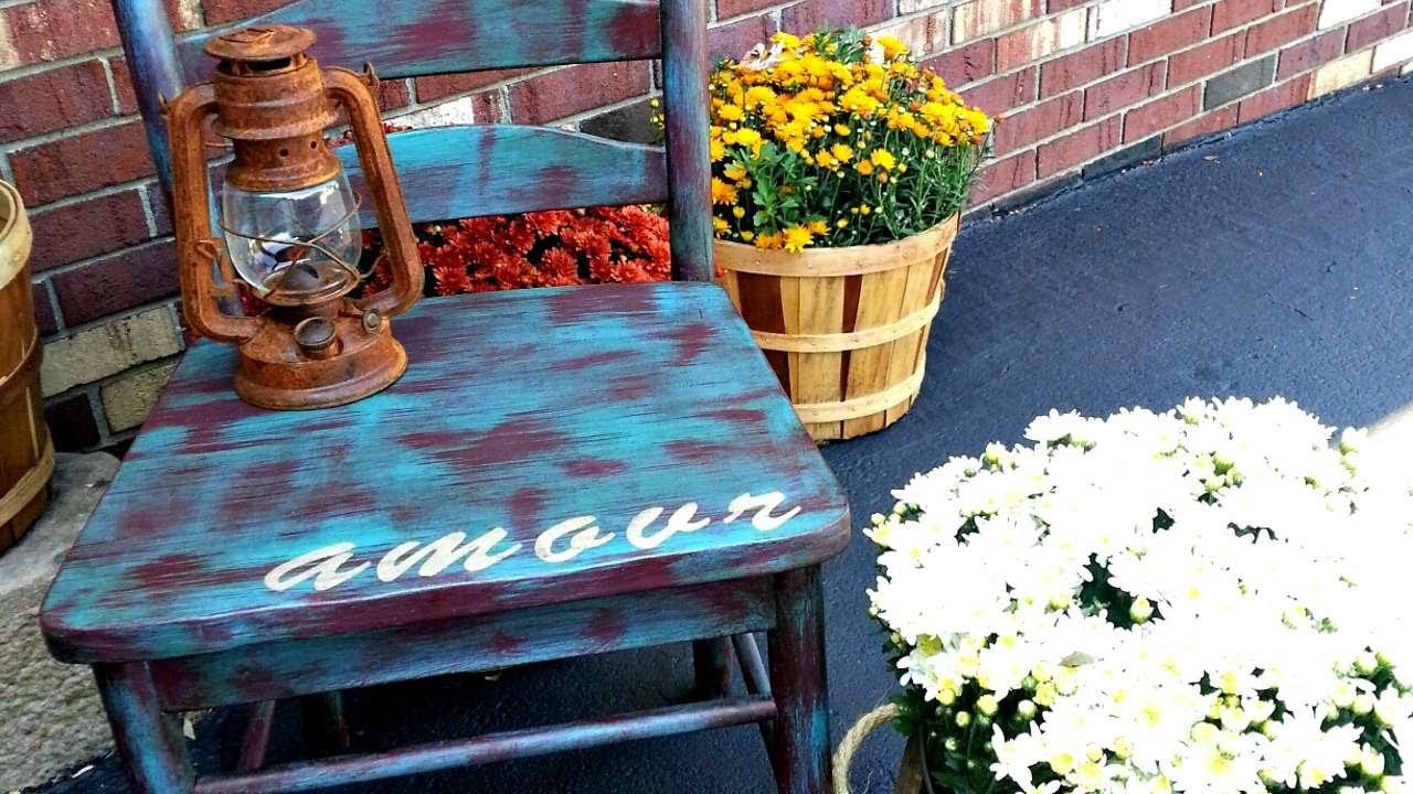 Sedie Dipinte A Mano : Dipingi una sedia con la chalk paint fai da te casa guidecentral