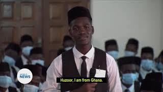 Huzoor praising Africans' patience & discipline