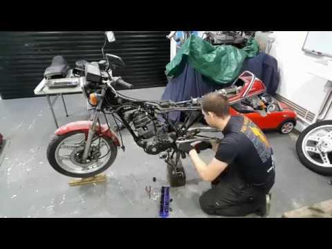 Honda CB125T - Road to MOT - Part 1