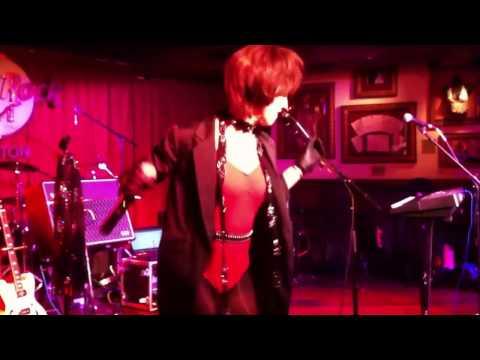 Suzie Hatton Rocks the Hard Rock Boston!