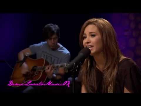 Demi Lovato - Catch Me Live Acoustic Version (Cambio Cares)