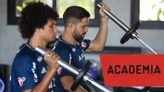 Treino físico na academia e convocação de Diego para a Seleção