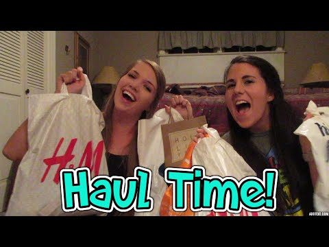 WEARING PAJAMAS TO COLLEGE!? (Asheville Haul)