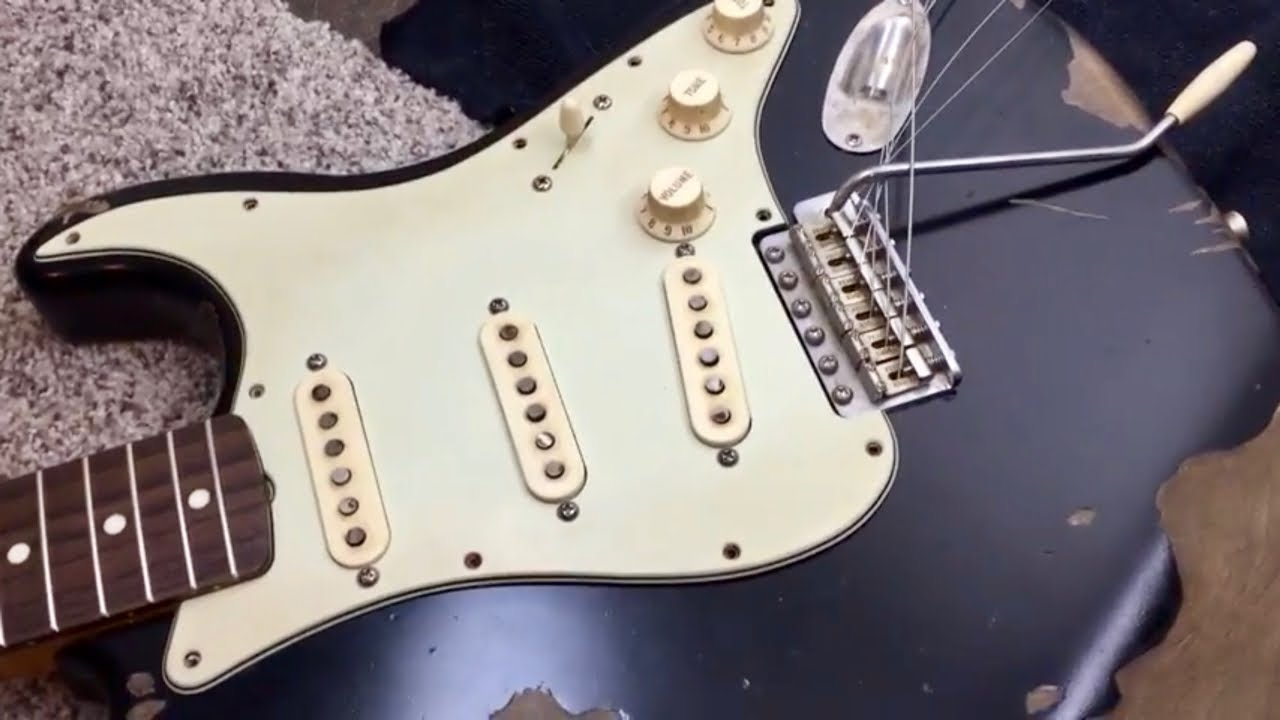 Best Plastics for Strat: Mint Green Pickguard and Aged White Covers ...