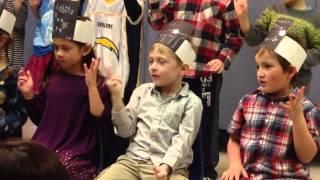 Morgan's class sings 5 little spacemen