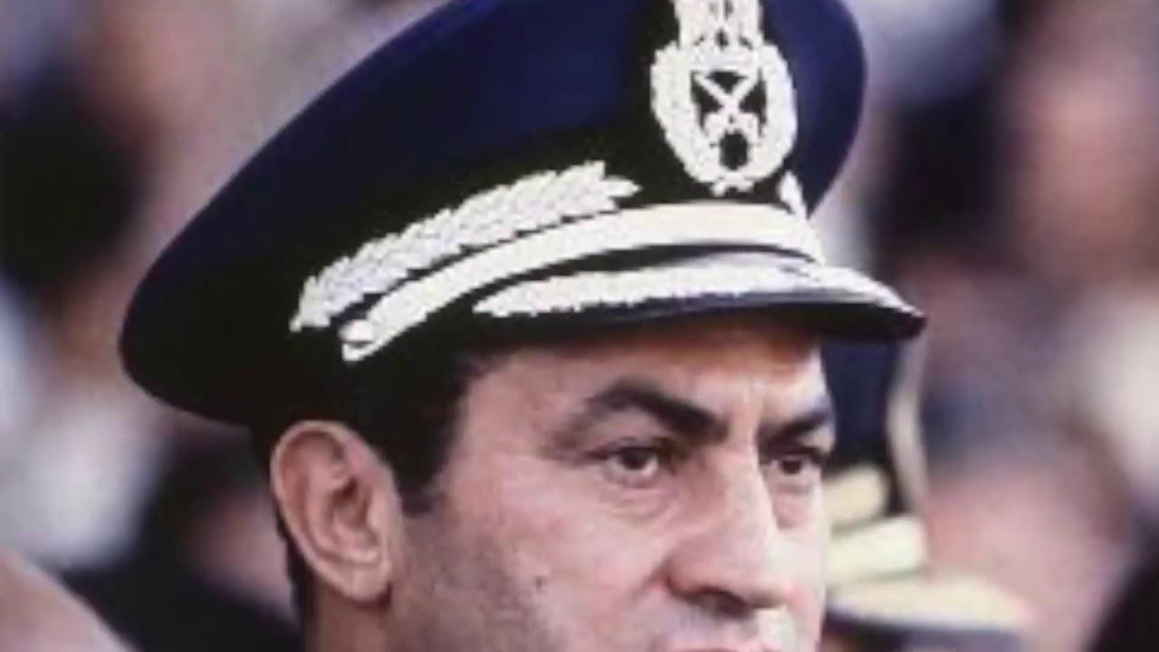 حسني مبارك اختار جيشه من الجهلاء