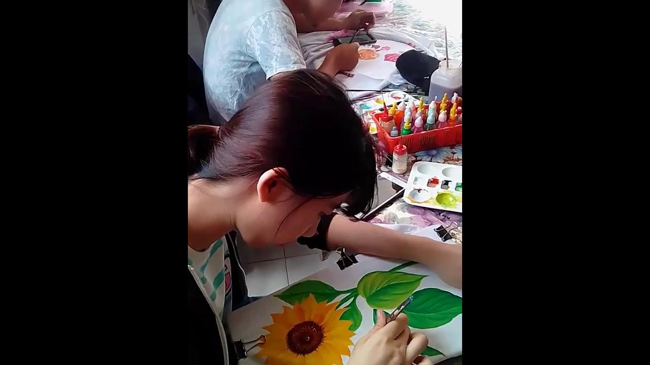 Dạy vẽ hoa hướng dương trên vải – 0902.732.572