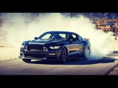 Ford Mustang GT V8 Drifting on Public Streets and in Traffic