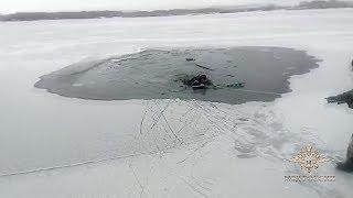 В Иркутской области полицейский, пенсионер МВД и местный житель спасли тонущего рыбака