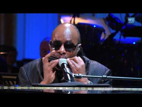 "Stevie Wonder performs ""Alfie"" at the Gershwin Prize for Hal David and Burt Bacharach"