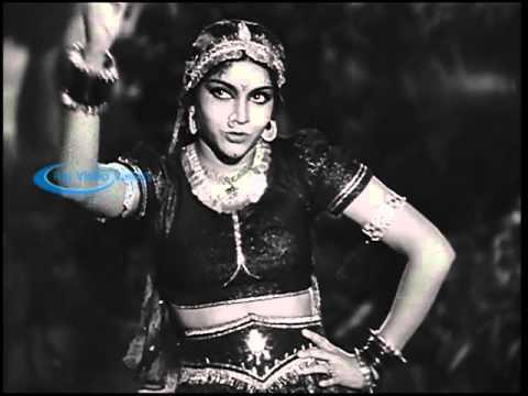 Mangamma Sabatham 1943    Ayyaiyaiya Solla Vetkamaguthae