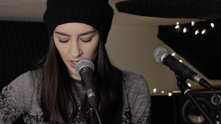 Gambar cover The Weeknd ft. Daft Punk - I Feel It Coming (Hannah Trigwell acoustic cover)