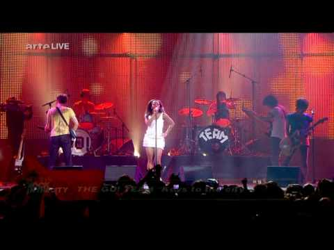 """The Go! Team - """"Keys To The City"""" Live @ Rock In The City"""
