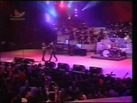 Download GIGI - Konser Sweet seventeen, 26 Mei 2011 (Istora Senayan Jakarta)