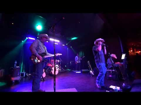 I Love This Bar. A cover of a Toby Keith Song. lnlband.com