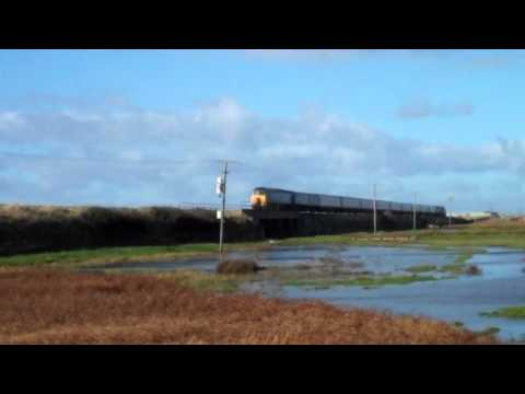 57302 37419 & 37682 on 'The Welsh Warrior' | Rhosneigr | 25/10/2014