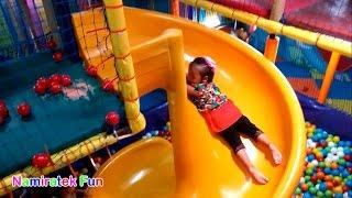 Video Bermain Mainan Anak Mandi Bola Taman Anak-Anak di Mall - Playing Kids Pool Fun Balls Playground download MP3, 3GP, MP4, WEBM, AVI, FLV September 2017