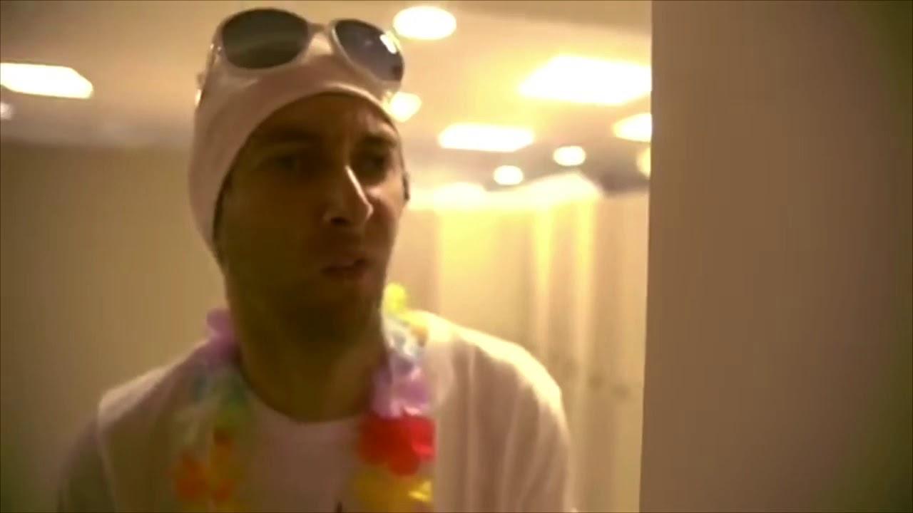 Vor dem schwimmen duschen - YouTube