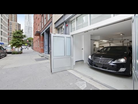 360 video: Building for Rent in South Street Seaport with Private Garage & Roof Deck - $14,000 / mo.