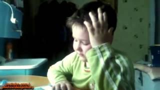 Малыш учит стихи Маты Смех