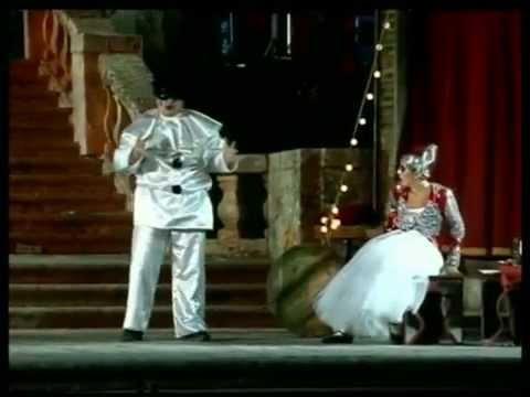 """Opera """"Pagliacci"""" di R. Leoncavallo - Montalto U. 08/07/2007"""