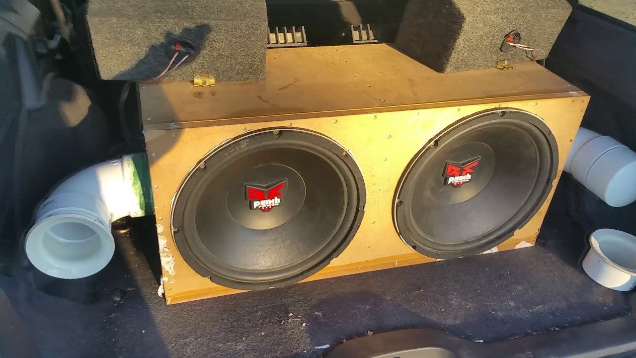 20hz Ported vs Sealed Subwoofer Excursion Test Side by Side ( No Subsonic  Filter Used )