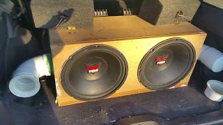 20hz Ported vs Sealed Subwoofer Bass Excursion Test Side by Side In Car ( No Subsonic Filter Used )