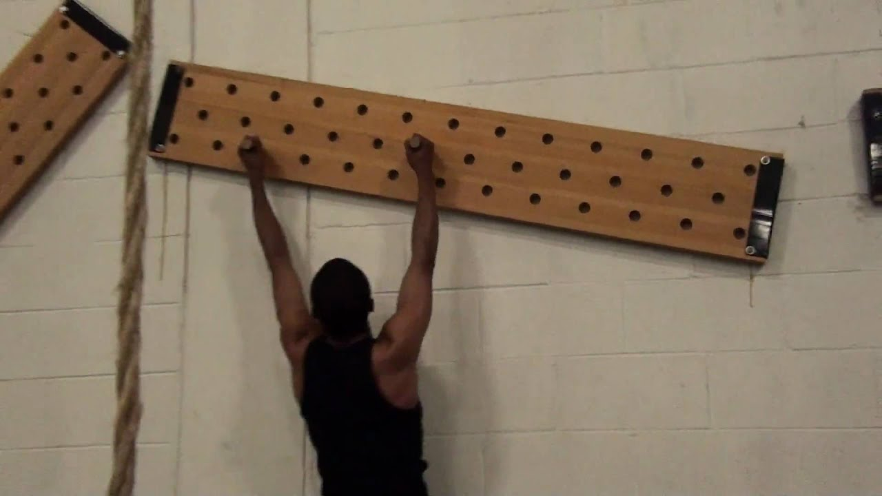 crossfit garage gym ideas - Peg Board climbing