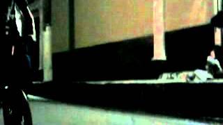 saltando la acera del selec