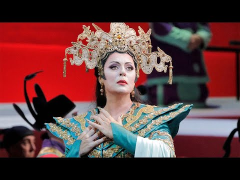 Turandot Moving Moment # 2 - with Martina Serafin as Turandot