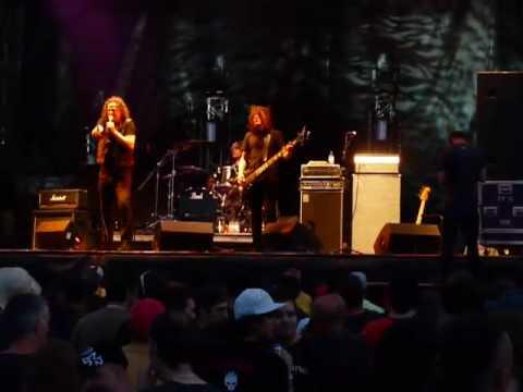 """Voivod """"The Prow"""" @ Woodstock en Beauce 3/7/2009"""