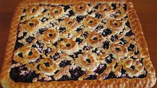 Дрожжевой пирог с черникой и творогом