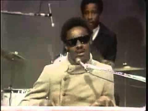 video - Stevie Wonder - Signed, Sealed, Delivered I'm Yours