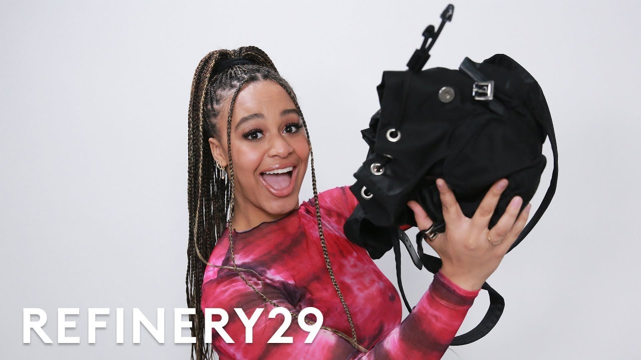What's In Nia Sioux's Bag