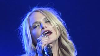 Download Miranda Lambert - Crazy (Live in Glasgow, Scotland) Mp3 and Videos