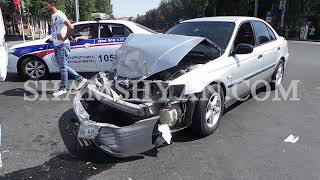 Ավտովթար Երևանում  բախվել են 32 ամյա վարորդի Honda ն և 29 ամյա վարորդի Ford ը