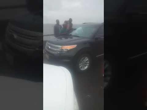 Woman plunges into Lagos lagoon