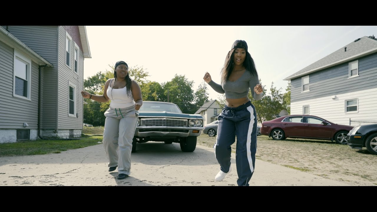 Ebony Chisolm - Mash Up [Official Music Video]