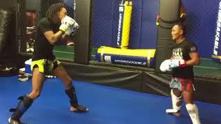 WIZ KHALIFA VS SAENCHAI | SPARRING | #BOXING #MMA #MUAYTHAI