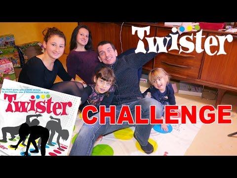 TWISTER CHALLENGE • 100% FUN avec les cousines ! Qui aura le + d'équilibre ? - Studio Bubble Tea